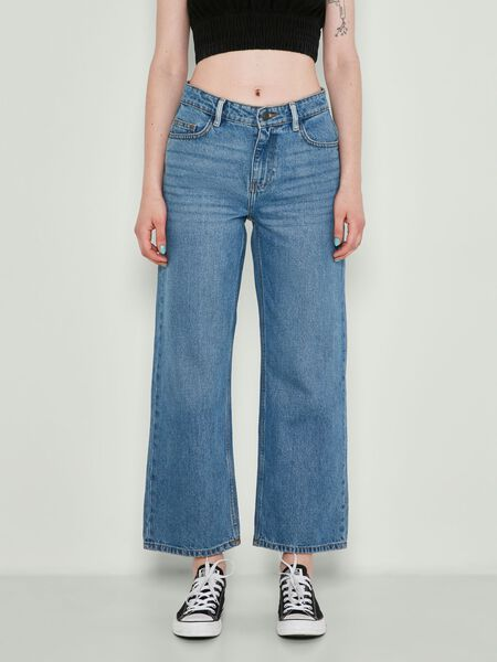 NMAMANDA NORMAL WAIST CROPPED JEANS