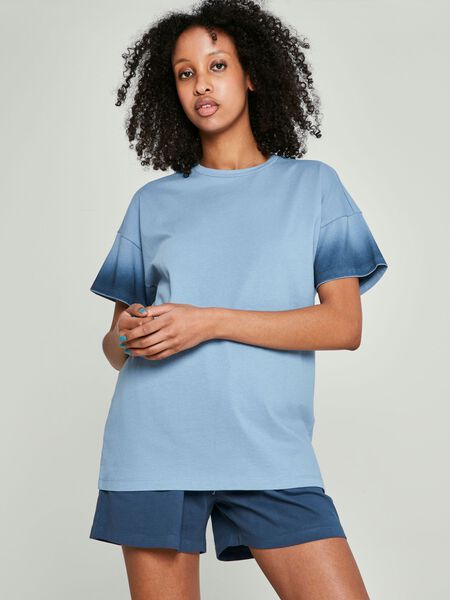 SHORT SLEEVED TOP